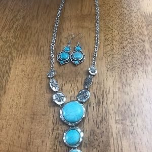 Beautiful blue color necklace